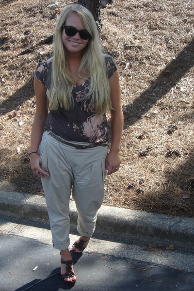 Zara pants brown lucky brand shirts shoes urban for Lucky cat shirt urban outfitters
