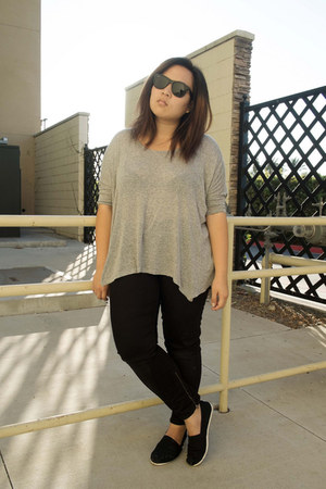 Gap jeans - Ray Ban sunglasses - TOMS flats - Urban Outfitters top