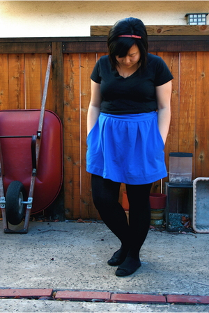 Forever 21 t-shirt - Urban Outfitters skirt - Forever 21 tights - Forever 21 acc