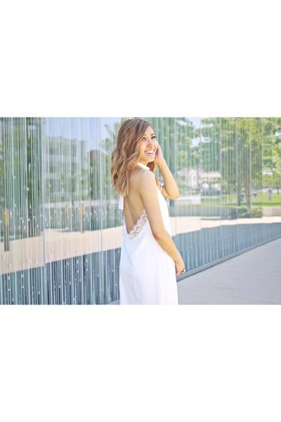 white Luna Boutique dress