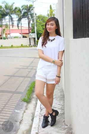 white Zara top - black sm accessories accessories