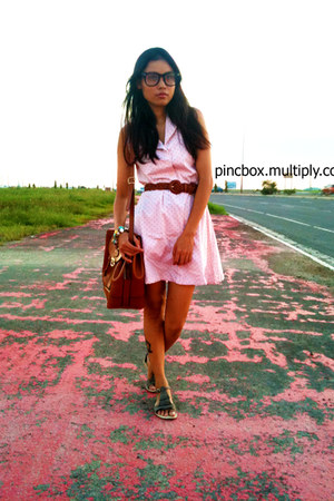 crimson unknown bag - bubble gum dress - heather gray artwork sandals