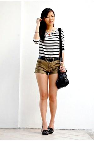 black striped H&M sweater