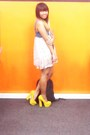 Blue-thrifted-dress-yellow-primadonna-heels