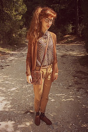 bronze deer Ebay necklace - burnt orange brogues Bershka shoes