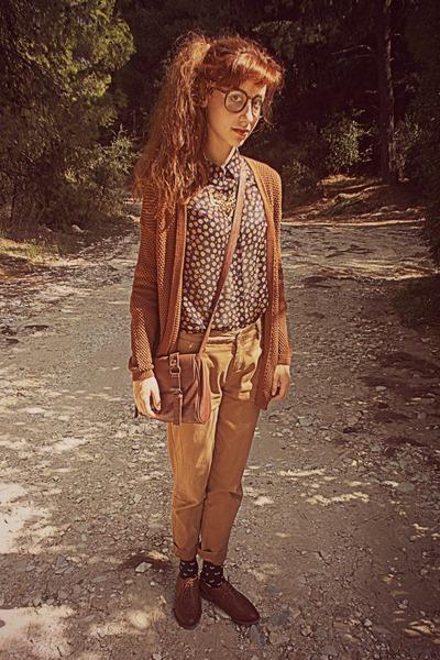 bronze deer Ebay necklace - burnt orange brogues Bershka shoes