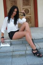 Stradivarius shorts - C&ampA blouse - Bata heels