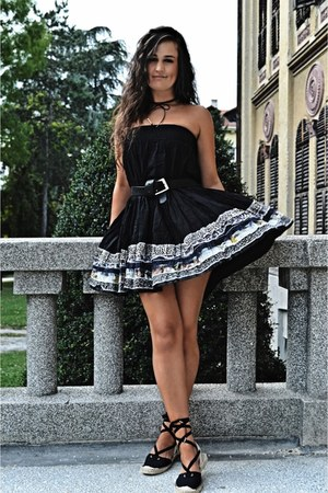 black vintage dress - black espadrilles Bershka sandals