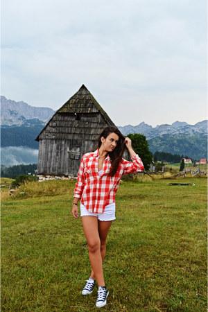 red plaid Zara shirt - white c&a shorts - white soft H&M intimate