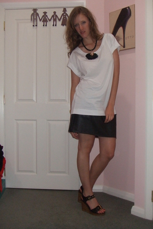 black skirt - white shirt
