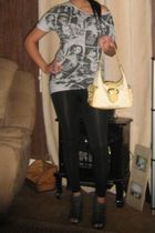 gray Discreet shirt - black Rue 21 leggings - gray Delicious shoes - yellow XOXO