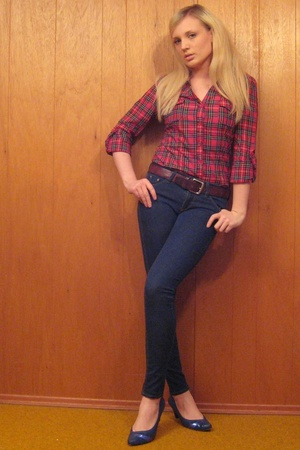forever 21 shirt - BDG jeans - vintage belt - shoes