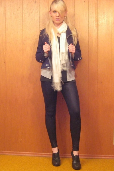 H&M jacket - H&M sweater - American Apparel t-shirt - H&M scarf - American Appar