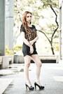 Black-yoursecretcloset-shorts-black-patent-yoursecretcloset-heels
