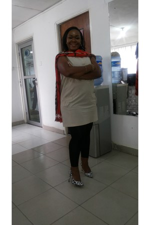ivory unknown brand dress - black unknown brand leggings - carrot orange scarf