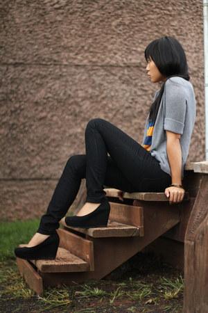 black H&M wedges - dark gray Forever 21 jeans