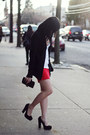 Free-endearment-purse-oasap-skirt-abercrombie-fitch-top-bakers-heels