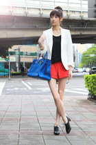 red shorts - white Zara blazer - blue bag - black top