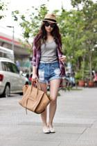 purple H&M shirt
