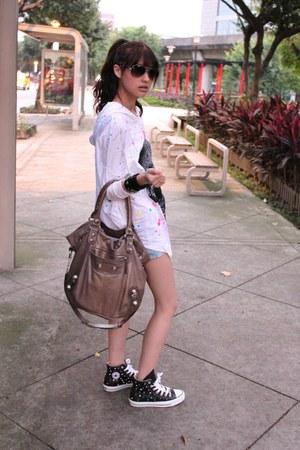 dark khaki bag - black Converse shoes - white top