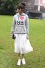 White-shoes-black-bag-heather-gray-sweatshirt