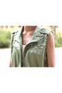 Tawny-shorts-army-green-vest-white-top