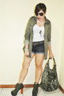 White-tank-top-topshop-top-army-green-zara-jacket