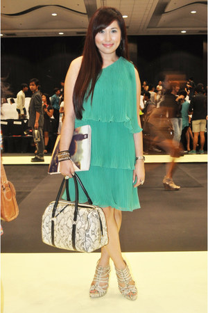 green Zara dress - off white Parfois bag - ivory Steve Madden heels