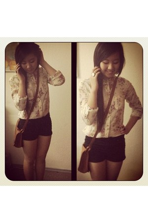 H&M bag - Flowershirt shirt - H&M shorts - Clock ring