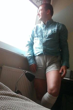 turquoise linen next shirt - silver cotton American Apparel shorts