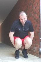 black polo Marks & Spencer shirt - red chino asos shorts