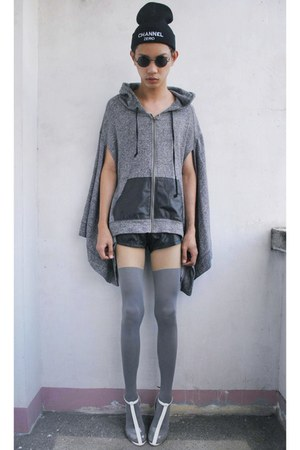 gray mapple jacket