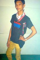 vest - top - pants - scarf - accessories