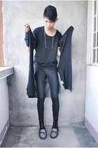 black Forever 21 leggings - navy Urban Outfitters shoes