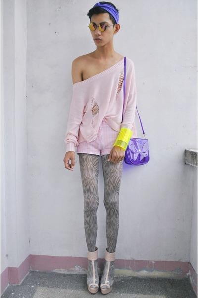 bubble gum Parisian heels