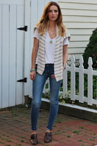 white James Perse t-shirt - blue Levis jeans - beige H&M sweater
