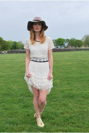 cream lace TJ Maxx dress - gold gold metallic Superga sneakers