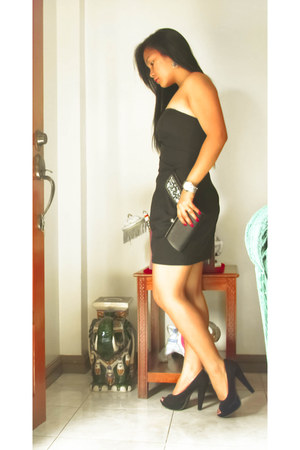 dark gray jeweled Promiscuos dress - black Burberry purse - black YSL heels