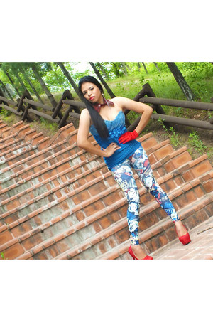 red studded pumps Yi Yi Shoes pumps - blue GDC dress - blue local brand leggings