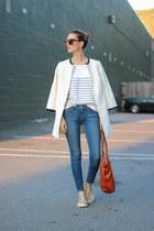 blue skinny Paige Denim jeans - white linen talbots coat