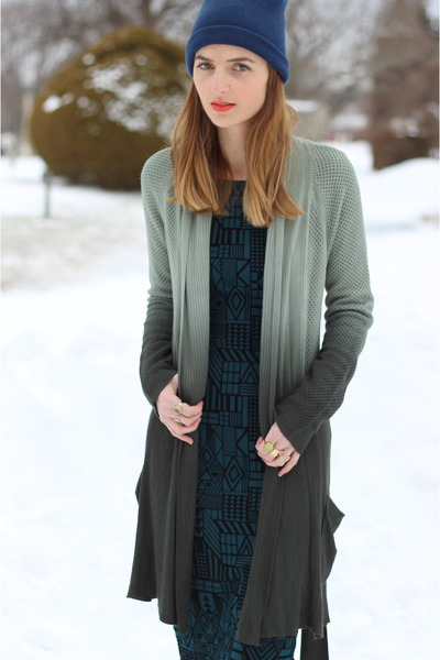 heather gray ombre Gypsy05 cardigan - black lace up Justin boots