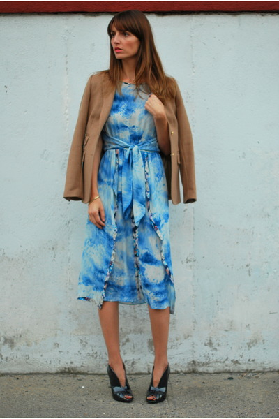 blue silk Rebecca Taylor dress - gray ankle boots BCBGeneration boots