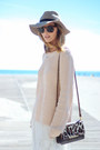 Light-pink-knit-nordstrom-sweater-brown-leopard-brahmin-bag
