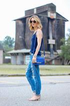 blue boyfriend Joes Jeans jeans - blue cross body brahmin bag