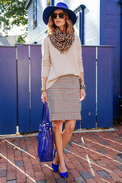 heather gray plaid talbots skirt - beige knit talbots sweater