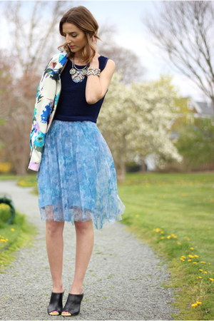 sky blue tulle French Connection skirt - white floral Zara blazer