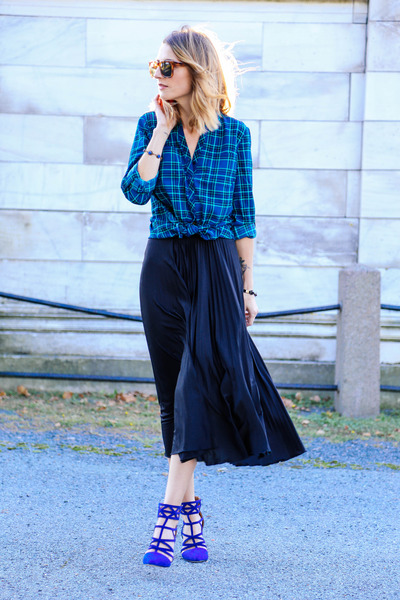 black pleated midi asos skirt - blue plaid talbots blouse