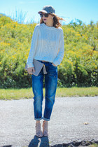 blue boyfriend H&M jeans - white cropped H&M sweater
