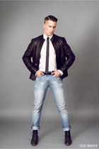 blue blue Levis jeans