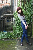 asos belt - H&M shirt - silver H&M ring - Primark heels - Urban Outfitters pants